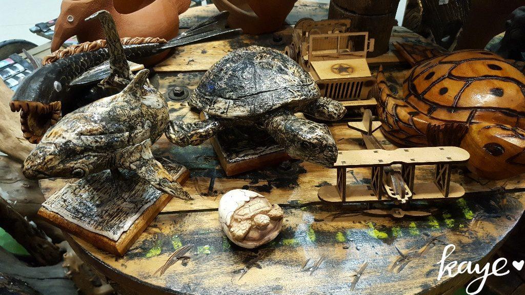 Local handicrafts at Subida